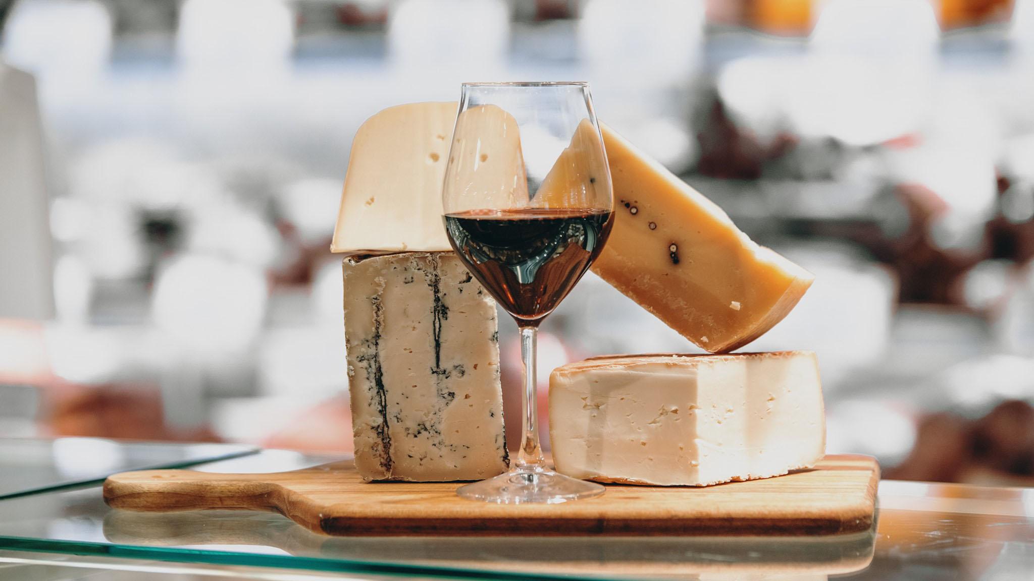 Pairing Italian wine & cheese 101